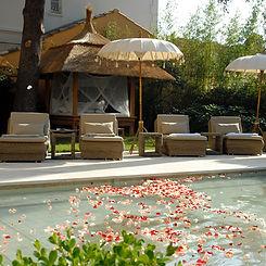 Indian-Garden-Cream-umbrella-pool-01.JPG