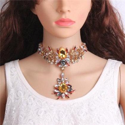 artificial-crystal-flower-design-elegant-women-statement-necklace-yellow