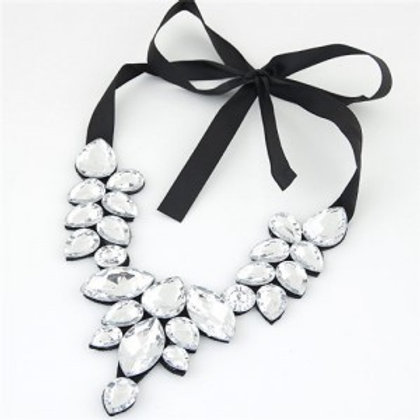 graceful-acrylic-gem-attached-cloth-rope-bowknot-fashion-necklace-white