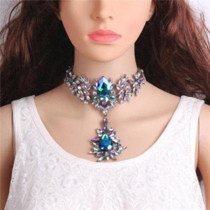 artificial-crystal-flower-design-elegant-women-statement-necklace-blue