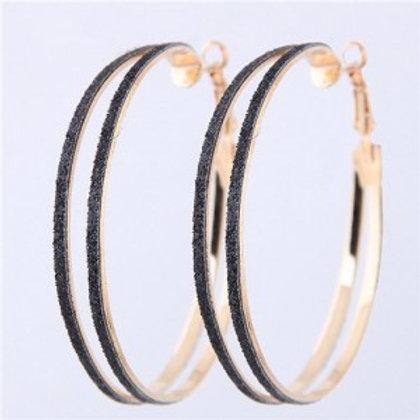 black-dull-polish-surface-giant-hoop-high-fashion-women-earrings-earrings-golden