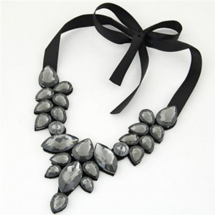 graceful-acrylic-gem-attached-cloth-rope-bowknot-fashion-necklace-gray