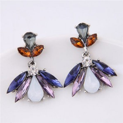 resin-gem-combined-elegant-floral-pattern-fashion-stud-earrings-blue