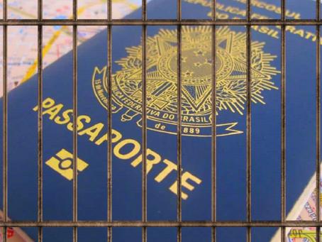Brasileiro é detido ao sair do país pela primeira vez