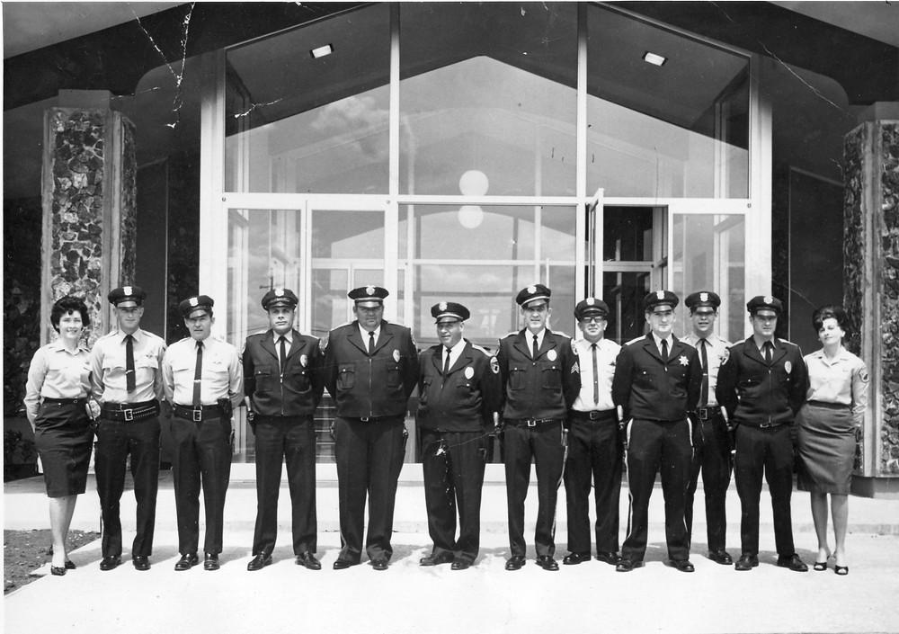 Molly Larkin, Oscar Krugar; Verne Kaufman; Scotty Bond; Lt. Daryl Fahey; Police Chief Bill Wilson, Fran Lobland; DeWalt; Frank Davidson; Steve Jones; Tom Hawke; and Alice Wade