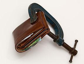 credit-squeeze-522549_1920.jpg