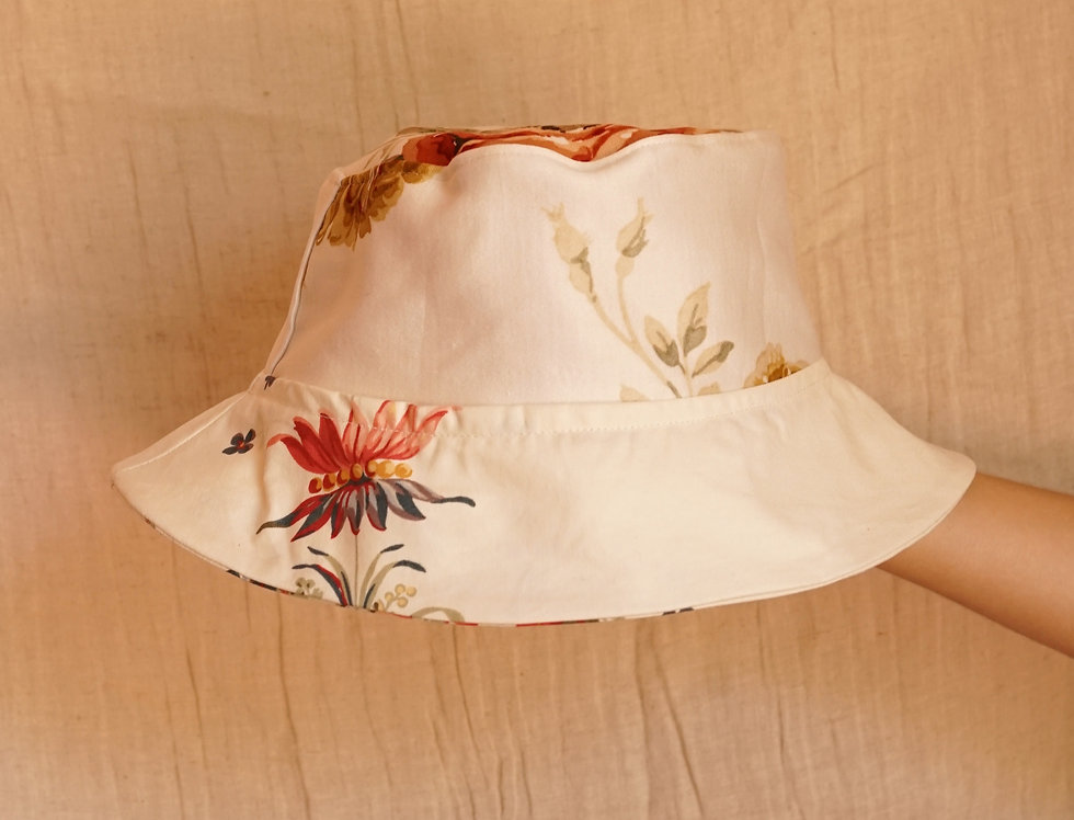 One-off bucket hat