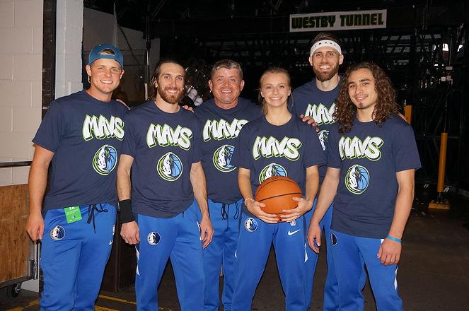 mavs dunk team.jpg