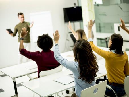 Hablar menos para que los estudiantes aprendan más