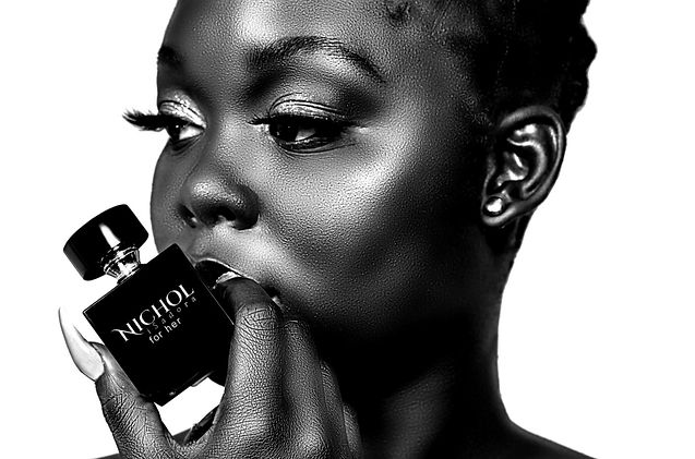 NicholIsadora for her perfume.