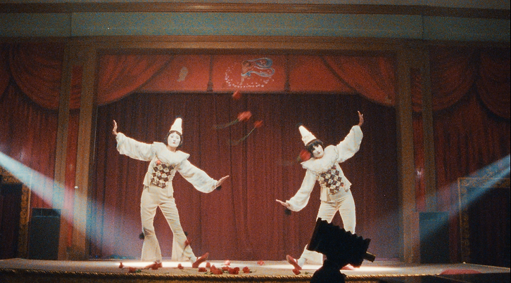 Mime on stage.png