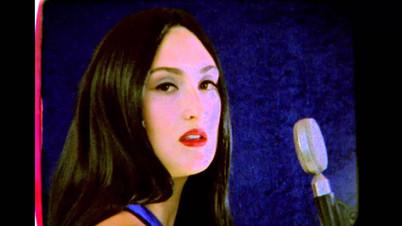 """Juliana Giraffe - """"Blue Velvet Cover"""""""