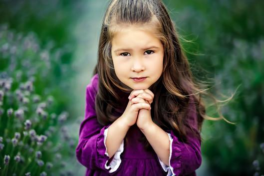 FlashProStudio_children_photography_girl_in_lavender
