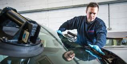 windshield fitter 1.jpg