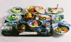 懐石 ¥4,700 (要予約)