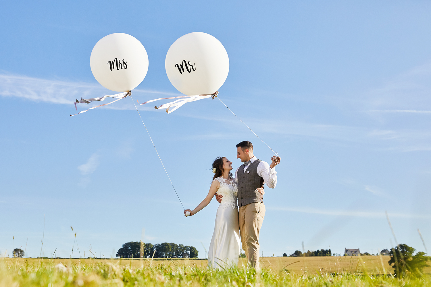 Mr & Mrs Giant Balloons