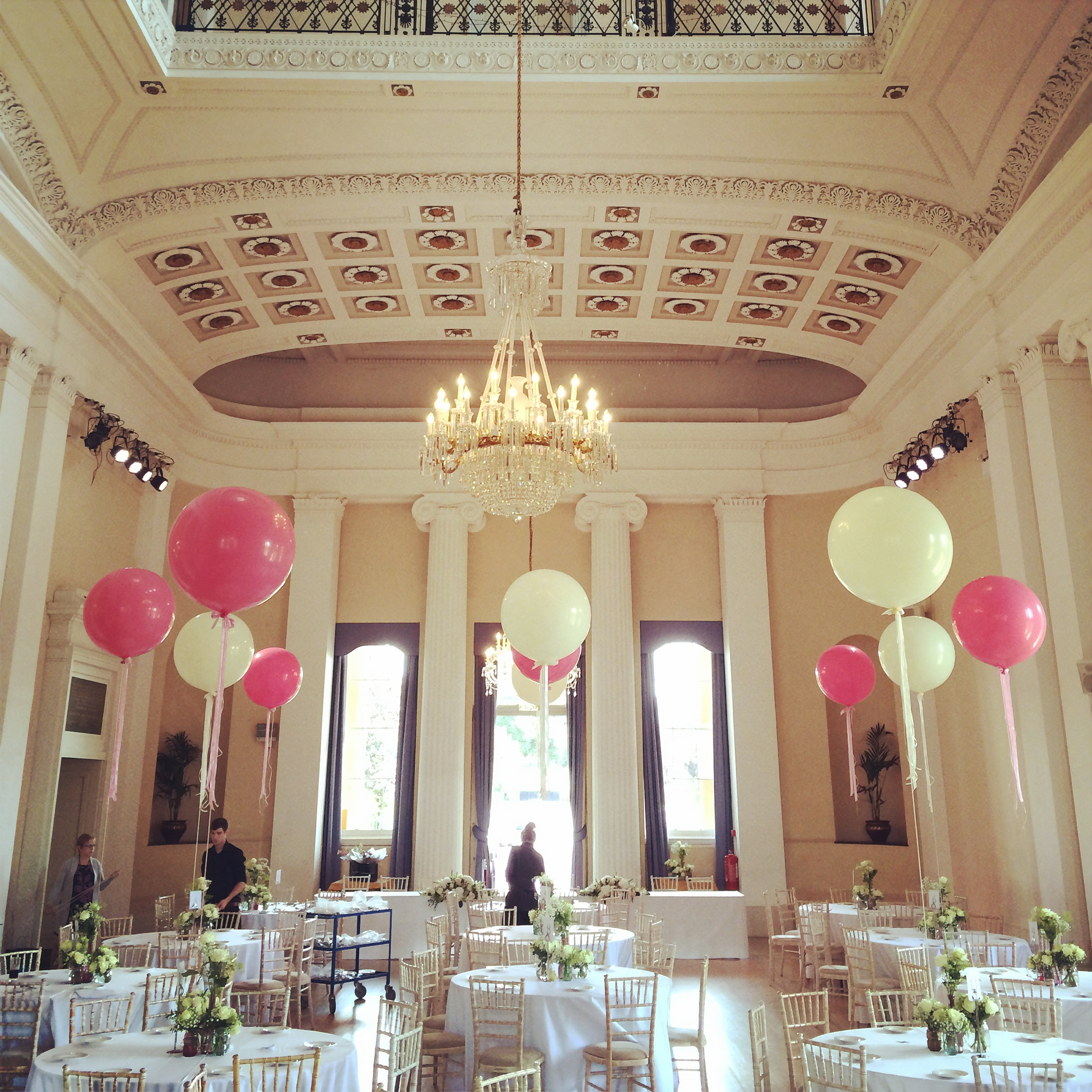 Giant Balloon Centrepieces