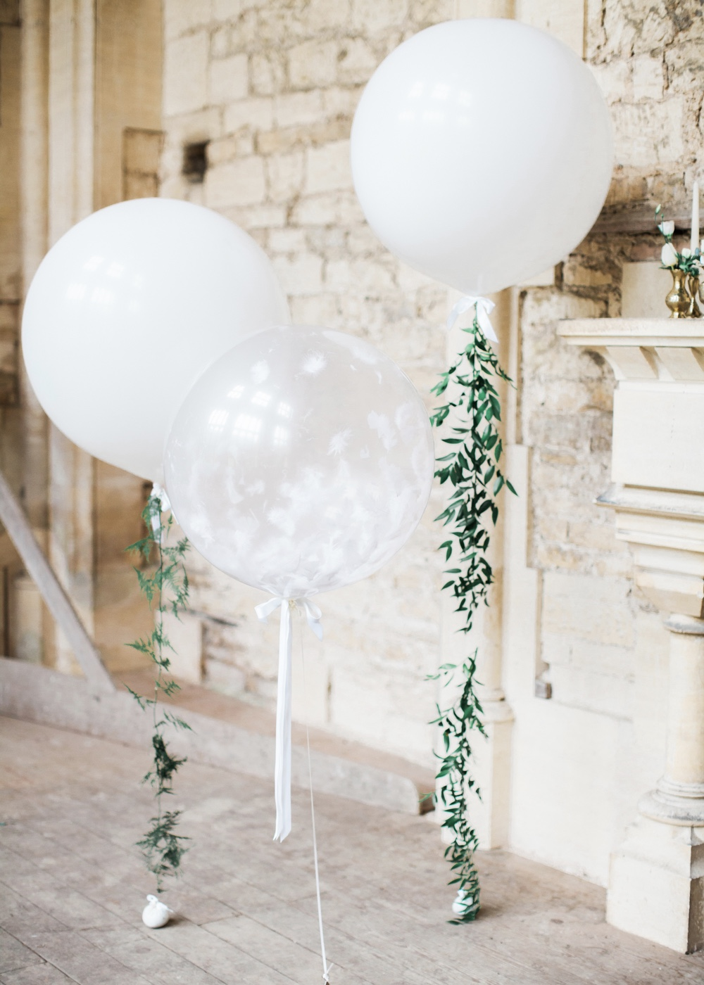 Rock My Wedding Ivy Giant Balloons