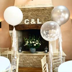 Oxleaze Barn wedding decorations
