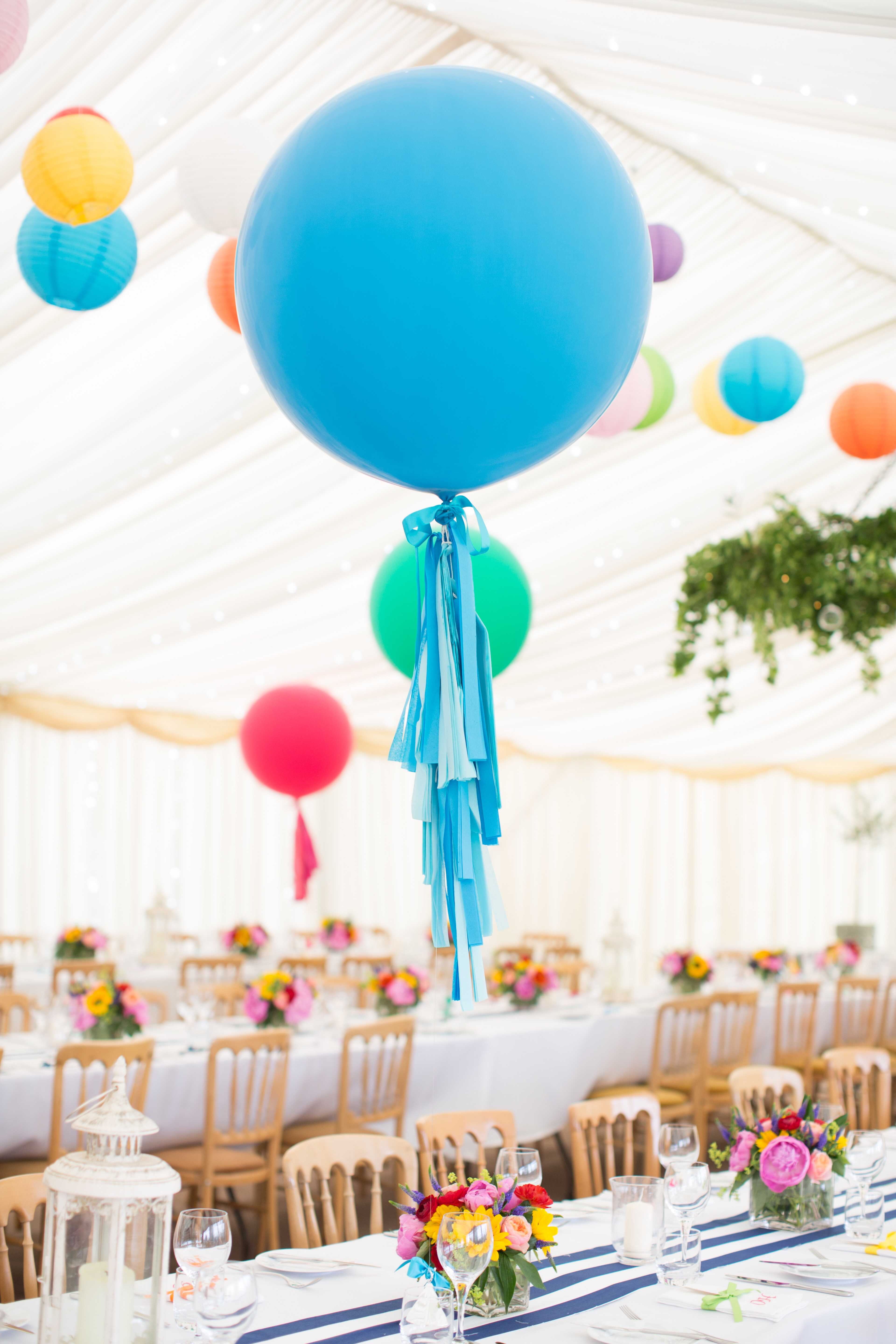 Bright Tassel Tail Giant Balloon