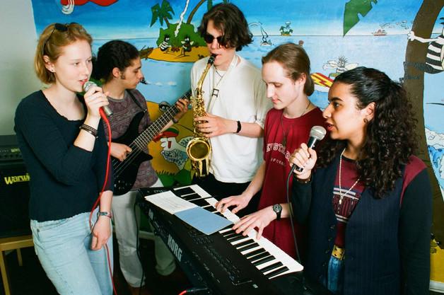 Kifrie Sunshine Showband