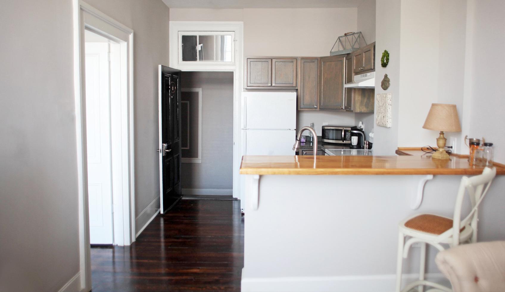 4_lillian_seating_kitchen2