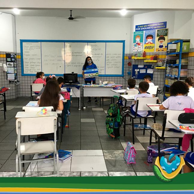 Restinga nas escolas: Projeto Vitória da Restinga realiza ações de educação ambiental com estudantes