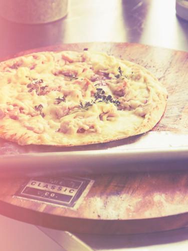 smoked chicken - gourmet pizza