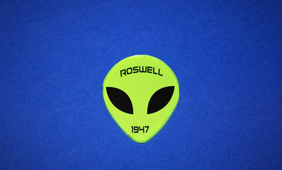Morris Acrylic Alien w/ 1947 Magnet