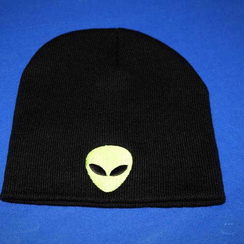 68f6f572153 Black Alien Beanie