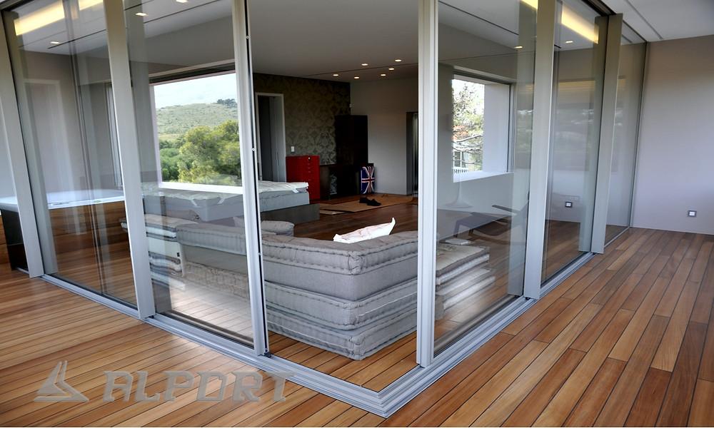 Αυτόματο γωνιακό κούφωμα , γωνιακό κούφωμα αλουμινιου με minimal προφιλ ,Κουφώματα λεπτού προφίλ, κρυφά κουφώματα , λεπτά κουφώματα, minimal αλουμινια, minimal aluminium window frames,Minimal Frame Windows, minimalist windows, frameless sliding windows