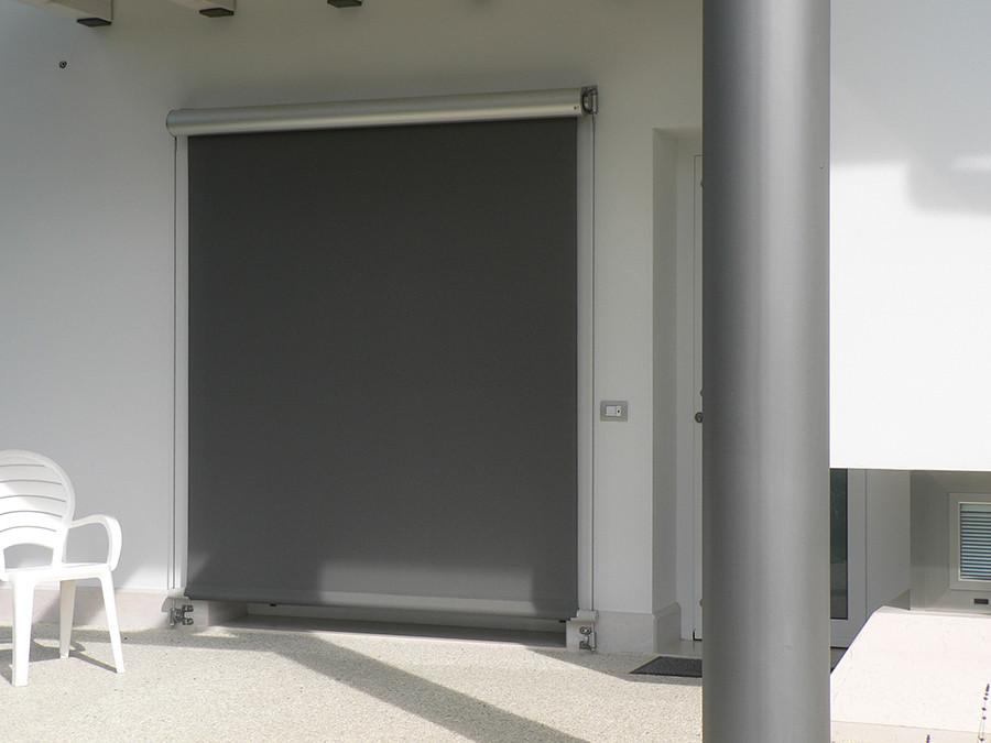 Εξωτερική Σκίαση - Alport ( σκιάδια - blinds  σε στρογγυλό κουτί με συρματόσχοινα ηλεκτρικά κινούμενα