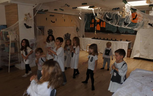 Evoschool stage de vacances bilingue haloween (36).JPG