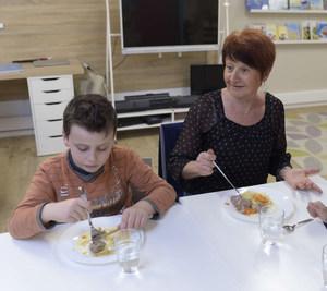 Evo's School repas des mamies.JPG