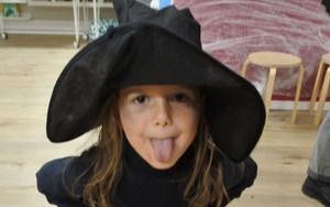 Evoschool stage de vacances bilingue haloween (49).JPG