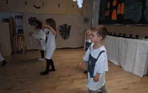 Evoschool stage de vacances bilingue haloween (39).JPG