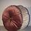 Thumbnail: Rond kussen met gouden pompom
