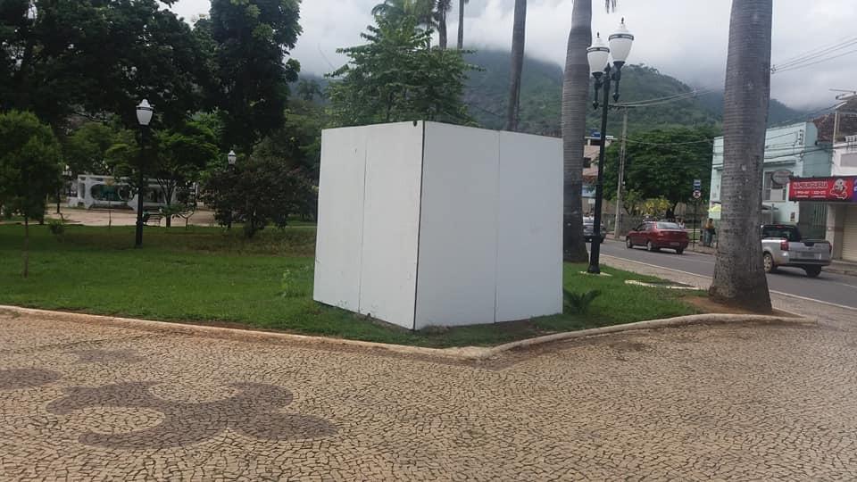 Monumento de terceiros