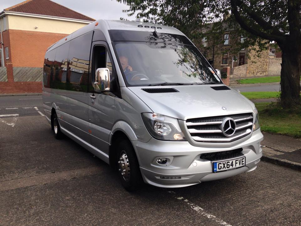 Luxury Minibus 16 seated