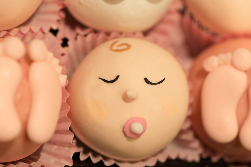 baby shower cake pop