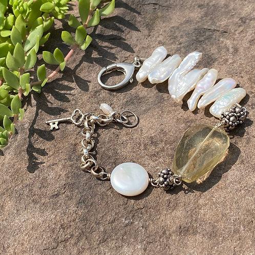 Bracelet Pearls and Lemon Quartz