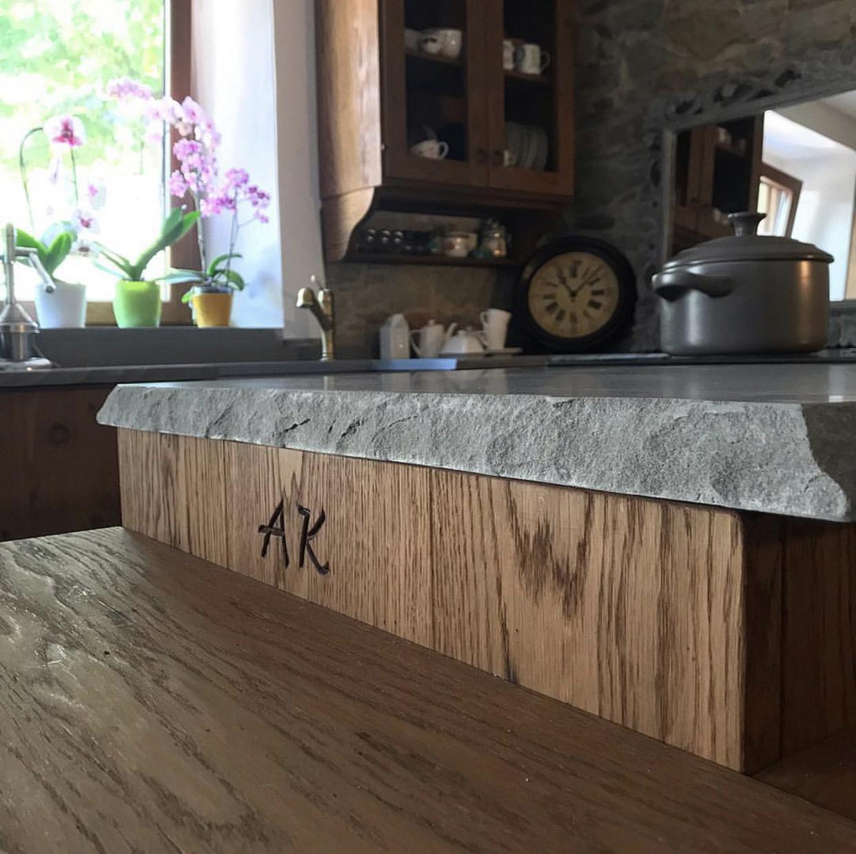 cucina-personalizzata-iniziali-su-misura