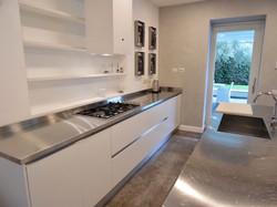 Cucina lineare  bianca