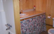 Cedar Lodge bathroom