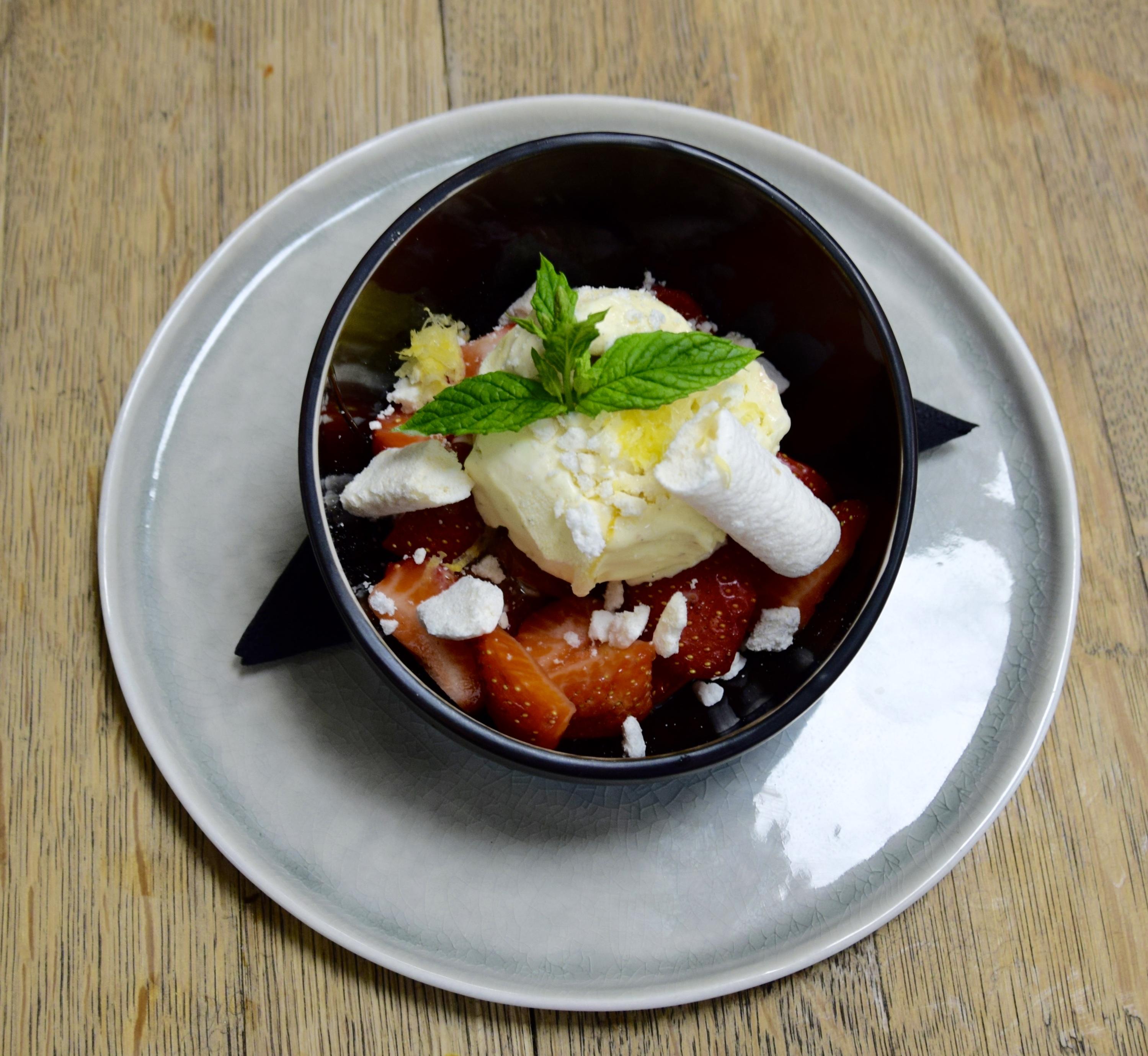 Vanille ijs - rood fruit