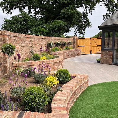 helen garden up to gate AFIMG_3287.jpg
