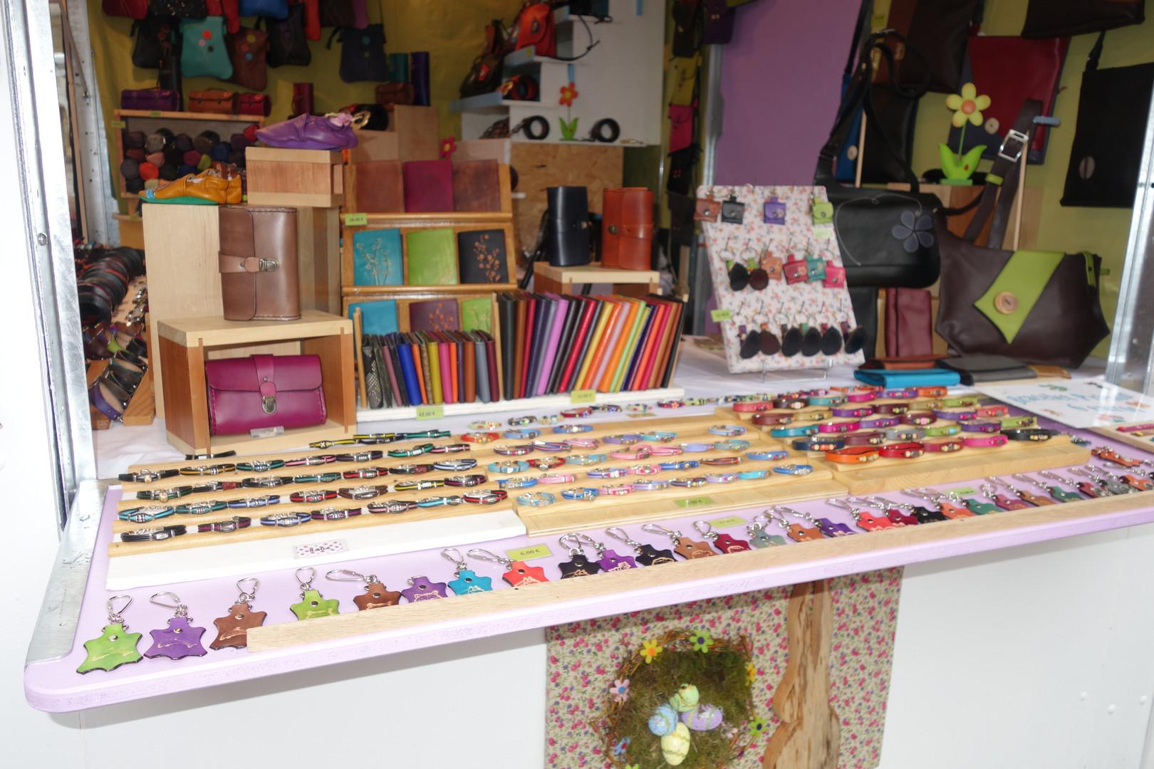Nous exposons nos créations sur les marchés et expositions tout au long de l'année