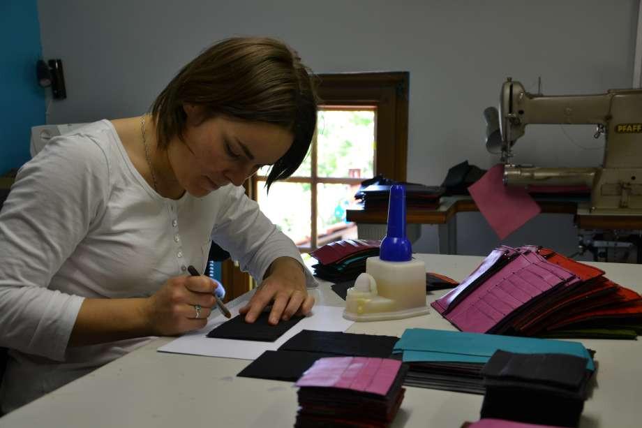 Nous avons fait le choix de la fabrication artisanale Française dans notre atelier des Vosges !