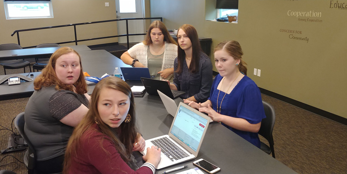 B-PC Students work with West Prairie Students on a project