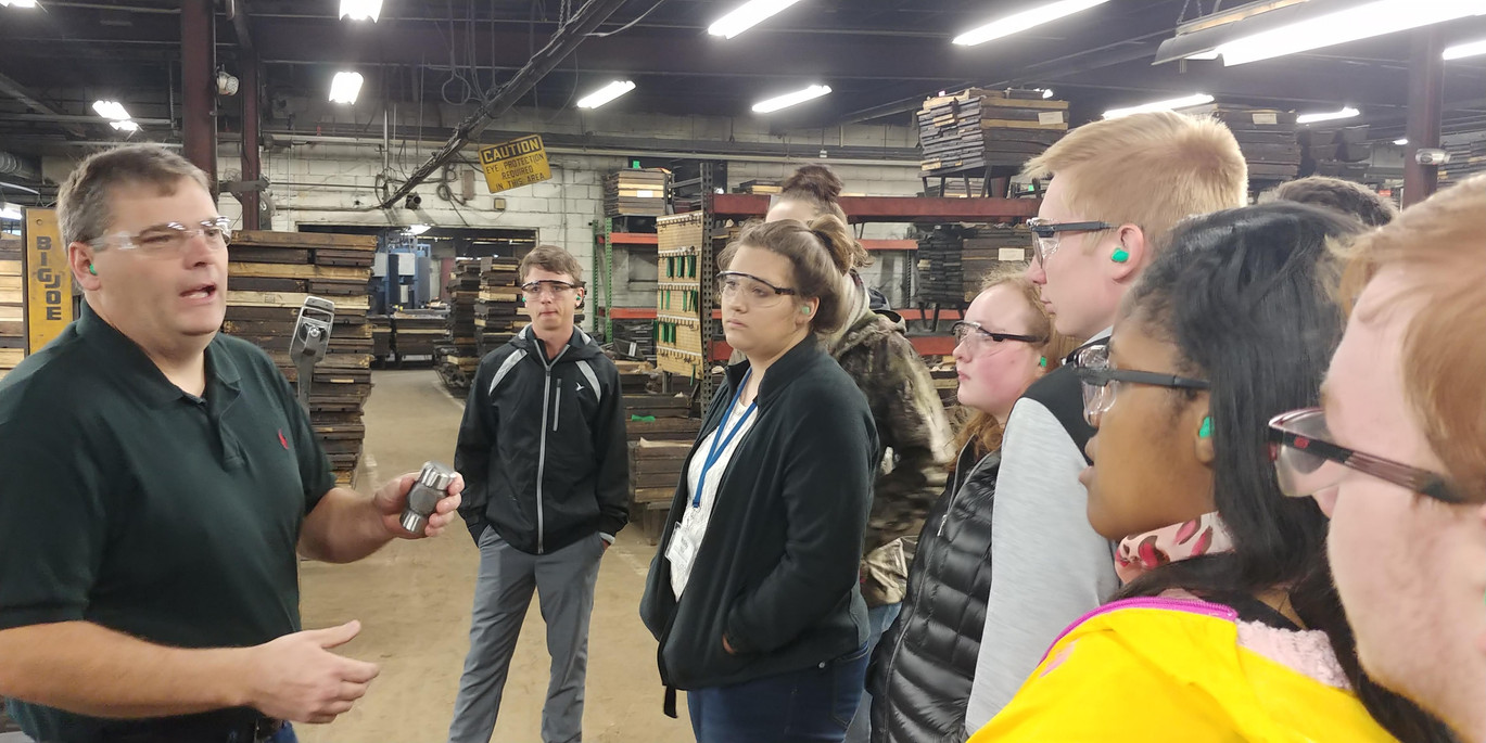 CEO Students touring Vaughn Manufacturing